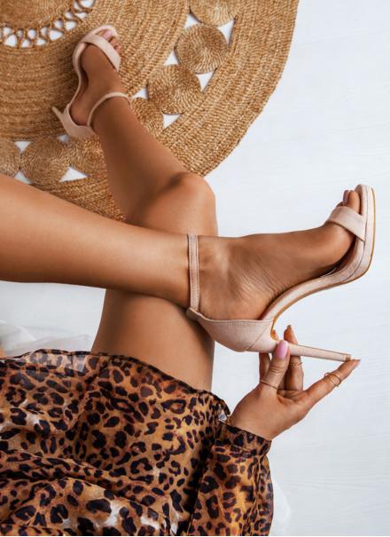 Beżowe sandałki na szpilce Velve