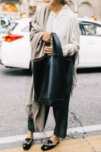 czarna torebka kobieca