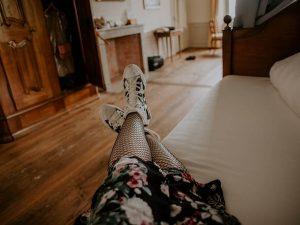 trampki do stylizacji ze spódnica